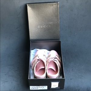 Gucci Shoes - GUCCI monogram pink leather velcro sneakers